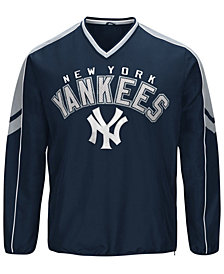 G-III Sports Men's New York Yankees Free Agent V-Neck Pullover
