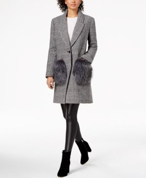 KENDALL + KYLIE Kendall And Kylie Houndstooth Faux Fur Pocket Coat in Black/White