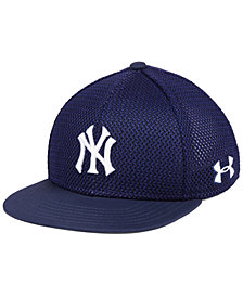Under Armour Boys' New York Yankees Twist Cap