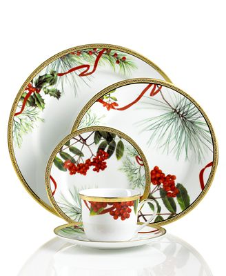 Charter Club Holly Berry Round 5 Piece Place Setting (Only at Macy's)