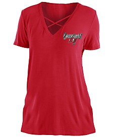 5th & Ocean Women's Tampa Bay Buccaneers Cross V T-Shirt