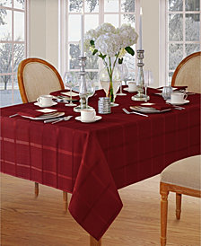 "Elrene Elegance Plaid Poinsettia Red 60"" X 84"" Oval Tablecloth"
