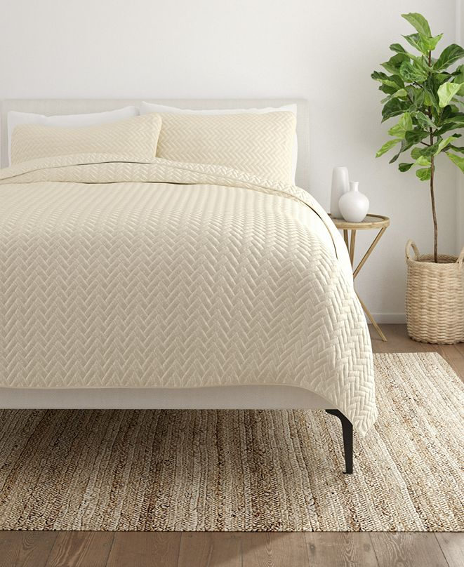 ienjoy Home Home Collection Premium Ultra Soft Herring Pattern Quilted Coverlet Set, Twin