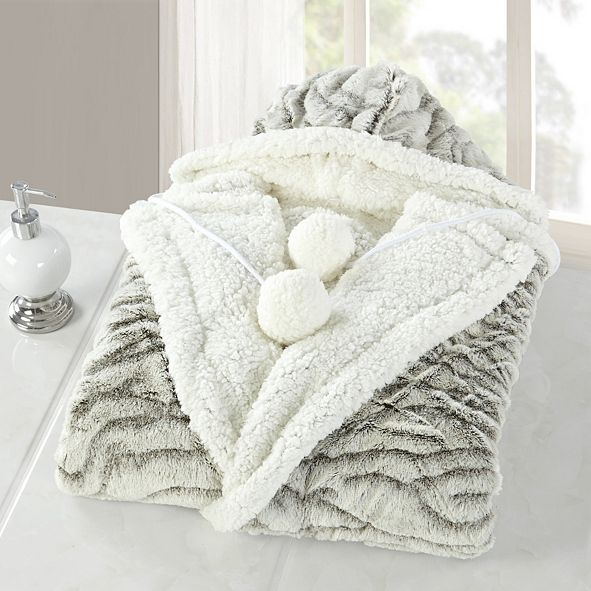 Chic Home Wavy 51x71 Hooded Snuggle