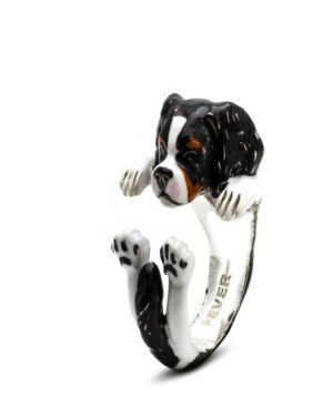 DOG FEVER Cavalier King Charles Spanielhug Ring In Sterling Silver And Enamel in Black