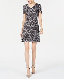 Connected Petite Printed Crinkle-Pleat Tiered Dress
