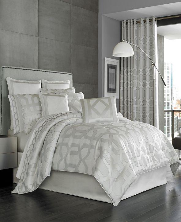 J Queen New York Five Queens Court Kennedy Queen Comforter Set