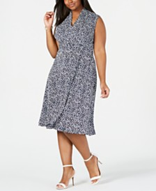 Jessica Howard Plus Size Ditsy Floral Wrap Midi Dress