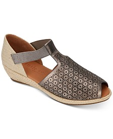 Gentle Souls by Kenneth Cole Women's Luci T-Strap Espadrille Flats