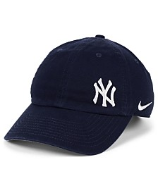 Nike Women's New York Yankees Offset Adjustable Cap
