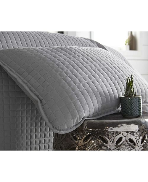 0270fef5bc9a5 ... Southshore Fine Linens Oversized Solid 3 Piece Quilt and Sham Set,  King/California King ...