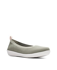 Clarks Women's Cloudsteppers Ayla Paige Flats