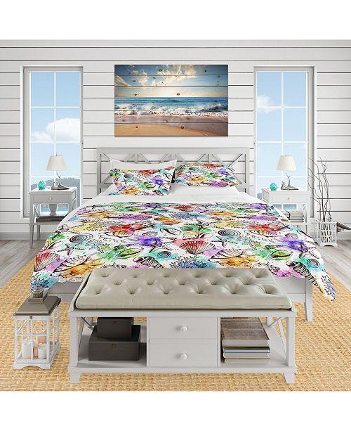 Design Art Designart 'Modern Seashells Pattern' Nautical and Coastal Duvet Cover Set - Queen