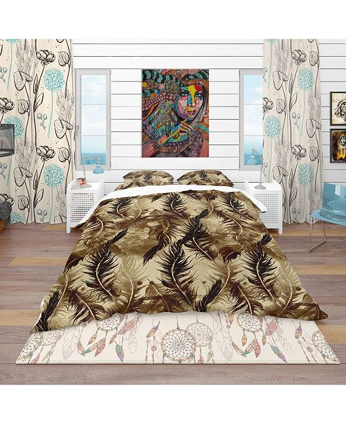 Design Art Designart 'Abstract Pattern With Imprints Of Flying Bird Feathers' Southwestern Duvet Cover Set - King