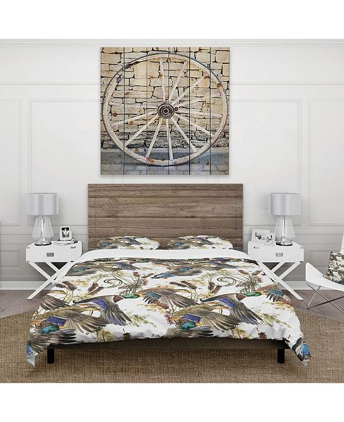 Design Art Designart 'Illustration Of Colored Duck' Modern and Contemporary Duvet Cover Set - King