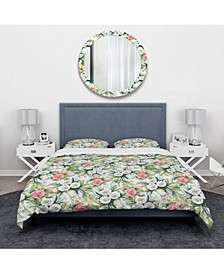 Designart 'White And Red Roses In Pattern' Traditional Duvet Cover Set - King