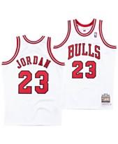 best loved 514b8 28c6b Mitchell   Ness Men s Michael Jordan Chicago Bulls Authentic Jersey