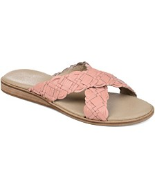 Journee Signature Women's Bryson Sandals