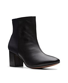 Collection Women's Chantelle Stone Ankle Leather Boots