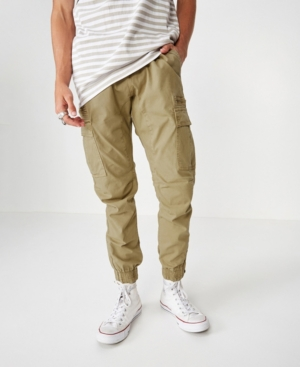 Ooze urban vibes in this drop crotch jogger. Dyed with enzyme wash for a worn-out retro look, this pant is big on details, without compromising comfort. Throw a crew neck into the mix to bring it all together.