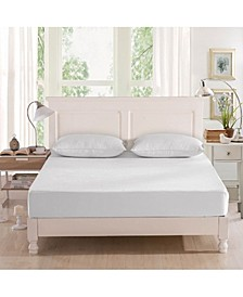 Full Mattress Protector and 2 King Pillow Protectors