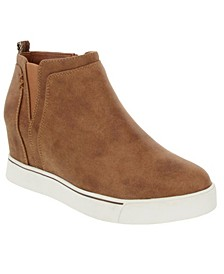 Glossy Wedge Sneakers