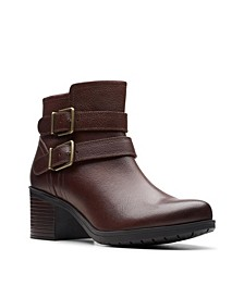 Collection Women's Hollis Pearl Leather Booties