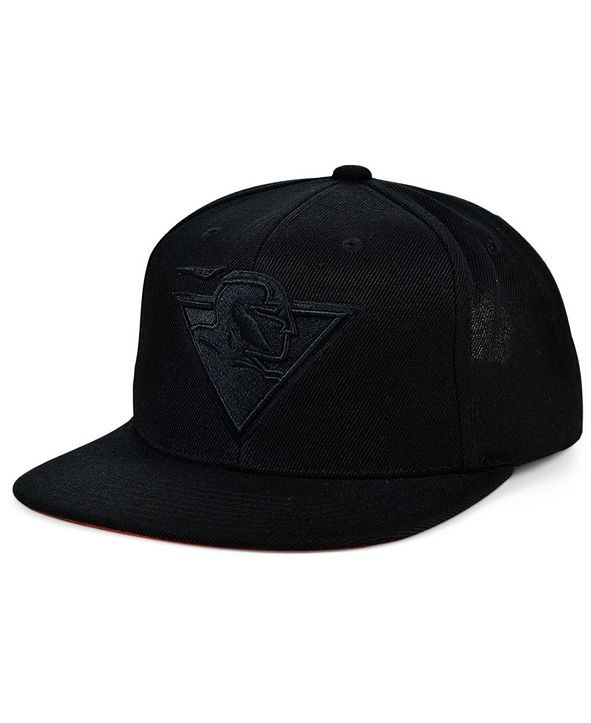 Mitchell & Ness Golden State Warriors Under The Black Snapback Cap
