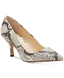 Vince Camuto Women's Selindra Pumps