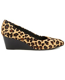 Molly Women's Wedge Pump