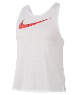 Update your training look with this Nike tank top. In airy mesh, it features Dri-fit performance and cross-back straps with a split hem perfect for running.