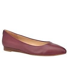 Ferdi 9X9 Women's Pointy Toe Flats