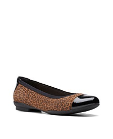 Women's Collection Sara Orchid Shoes