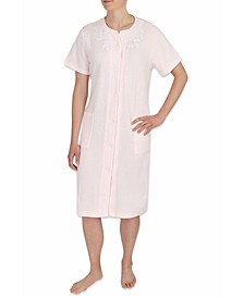 Embroidered Short-Sleeve Snap Robe