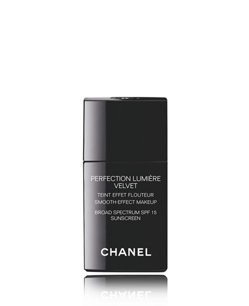 CHANEL Smooth-Effect Makeup Broad Spectrum SPF 15 Sunscreen