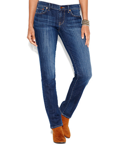 Explore Lee's collection of straight leg jeans for women. Try on Lee's straight leg jeans for classic jeans that fit wonderfully and never go out of style.