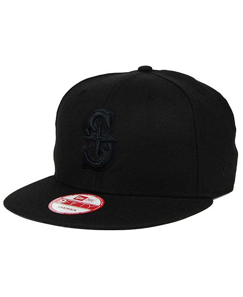 size 40 af6b5 72056 ... New Era Seattle Mariners Black on Black 9FIFTY Snapback Cap ...