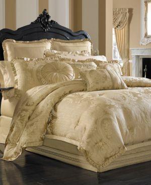 J Queen New York Napoleon Gold Queen 4-Pc. Comforter Set Bedding 2695768
