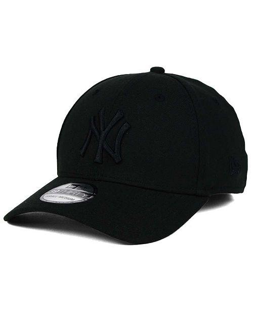 ... New Era New York Yankees Black on Black Classic 39THIRTY Cap ... 75269daa7a2