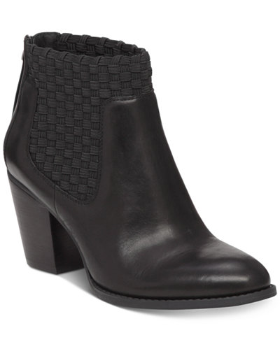 Jessica Simpson Yeni Ankle Booties