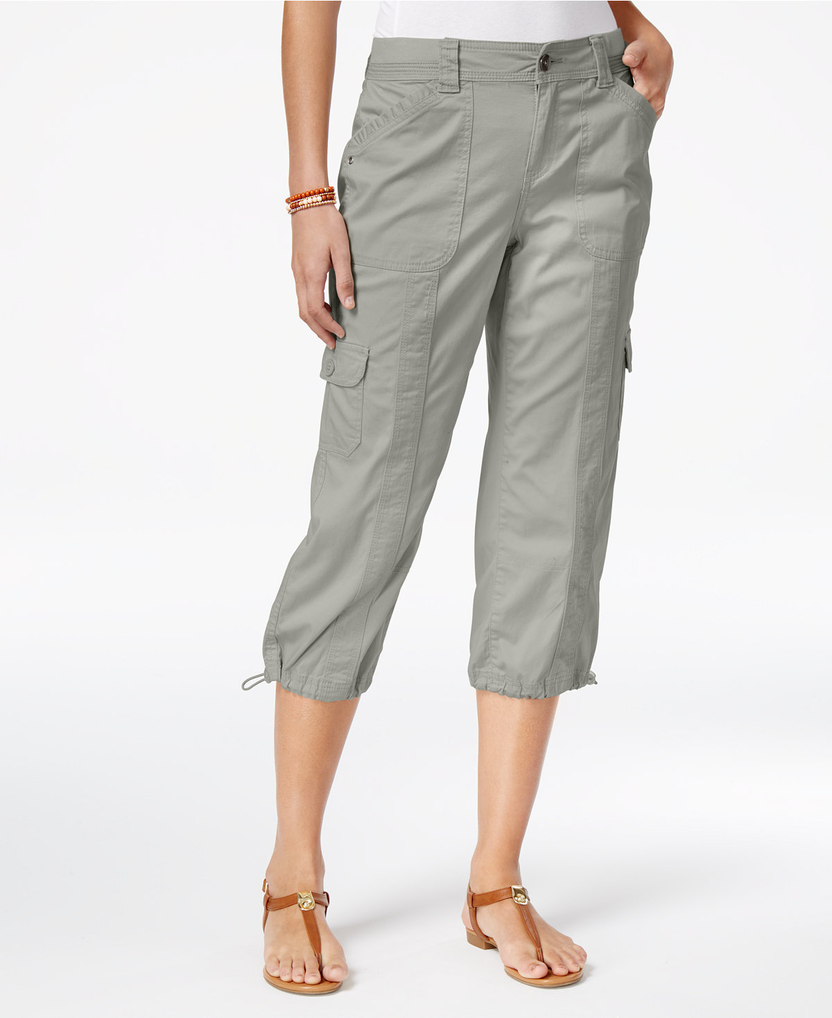 Create signature styles from the variety of hip cuts of trendy capri pants for women from Old Navy. An Updated Wardrobe Staple Offered in Multiple Styles. Discover a fresh approach from the edited updates to a basic wardrobe staple in this collection of trendy women's capris.