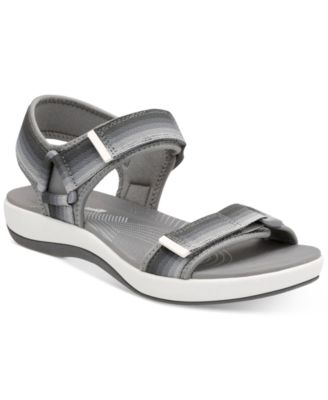 Image of Clarks Collection Women's Brizzo Ravena Flat Sandals