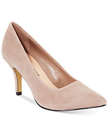 Bella Vita Define Pumps