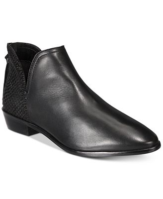 Kenneth Cole Reaction Women's Loop There It Is Booties