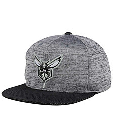 Mitchell & Ness Charlotte Hornets Space Knit Snapback Cap