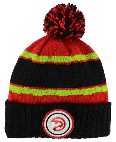 sports shoes e5e03 f2365 ... low price mitchell ness atlanta hawks quilted hi five knit hat 2bb7a  eccde