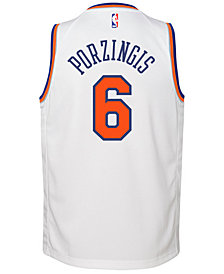 Nike Kristaps Porzingis New York Knicks Association Swingman Jersey, Big Boys (8-20)