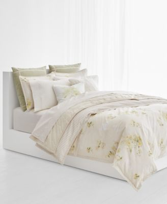 From Reversible Floral And Striped Pieces To Stitching Details To  Cable Knit And Ribbed Pillows, This Lauren Ralph Lauren Lakeview Bedding  Collection Makes ...