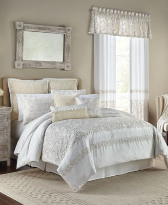Cela 4-Pc. Queen Comforter Set