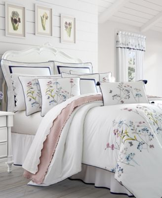 Betsy White 4-Pc. Queen Comforter Set